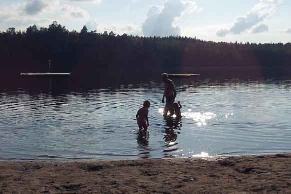 Jip en Pluk zwemmen